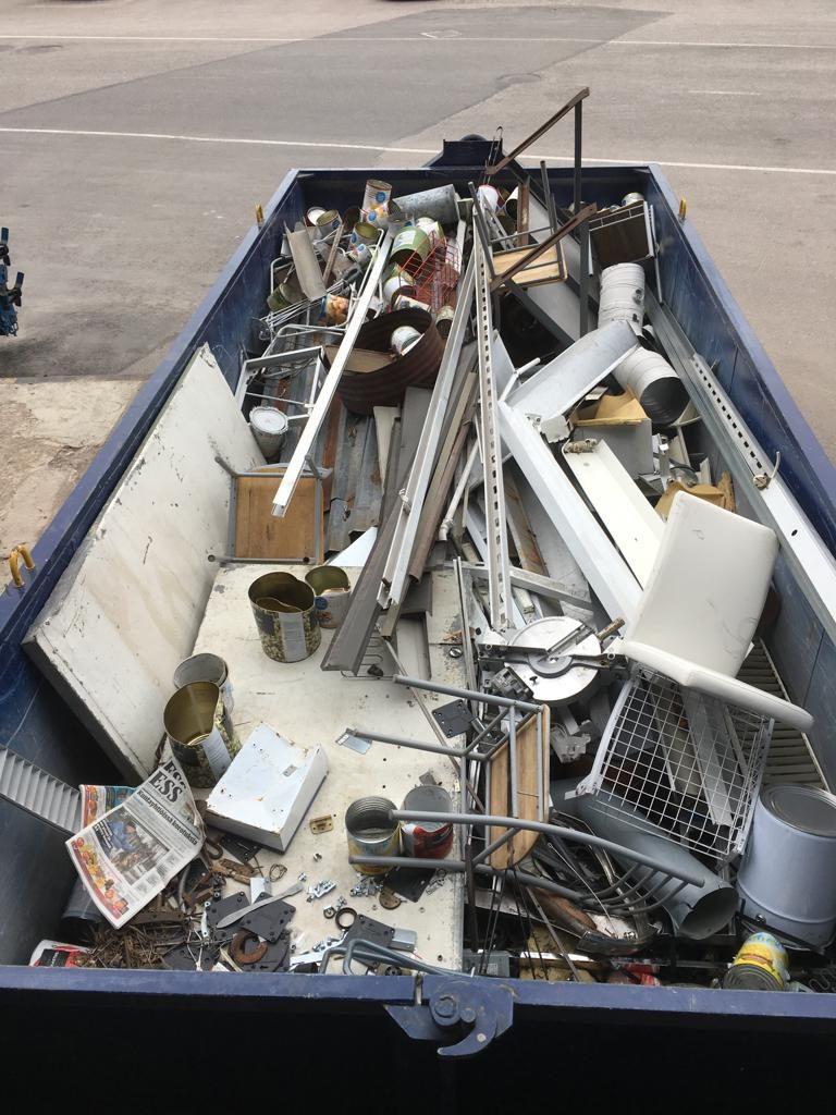 metallinkeräys roskalava